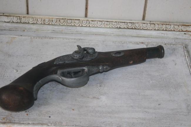 пистолет мушкетного типа.jpg